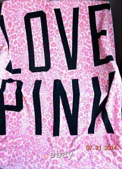 Victorias Secret Pink Stadium Blanket Super Soft Throw BRAND NEW